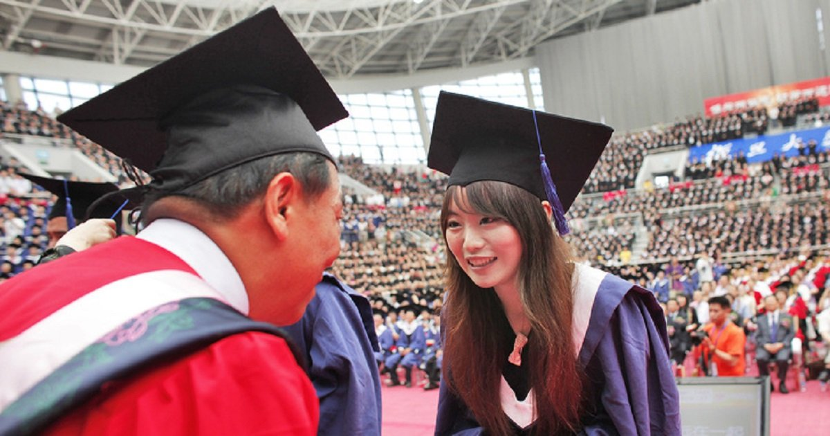 e7.jpg?resize=1200,630 - Six Ways That Asian Educational Systems Help Raise Smart and Talented Children