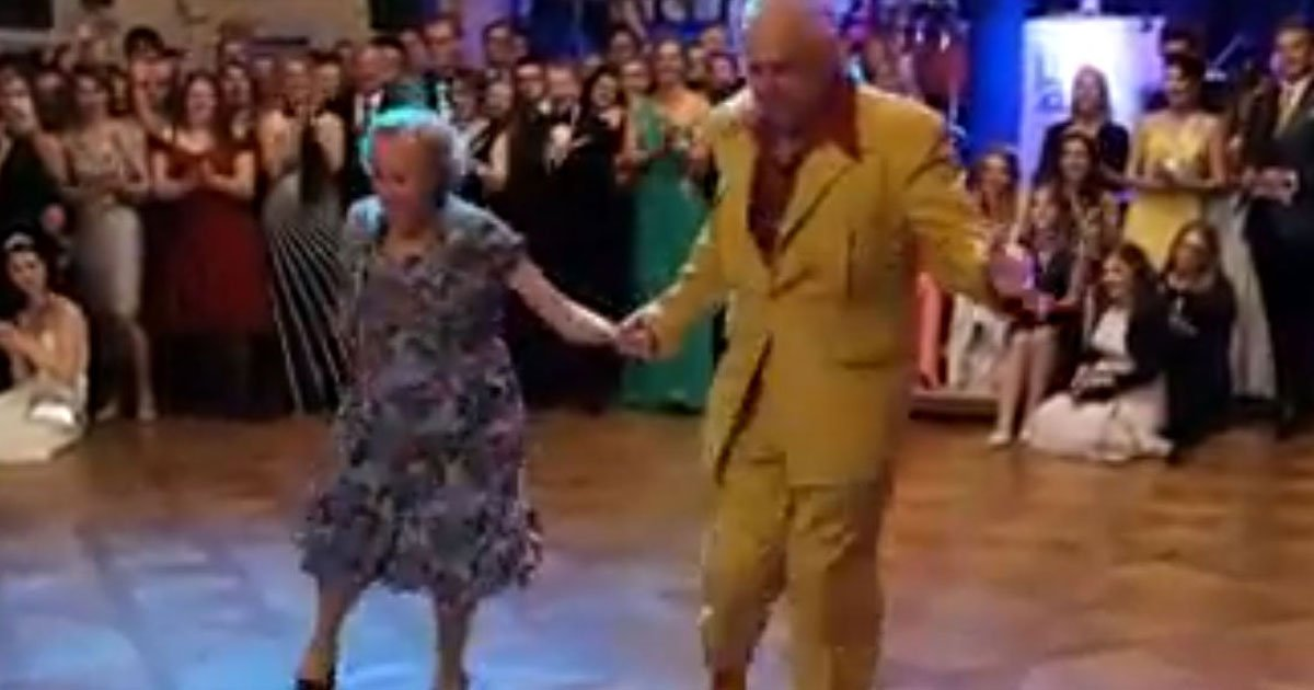 elderly couple dance.jpg?resize=412,275 - Couple In Their 90s Leaves Everyone Stunned With Their Dance Moves
