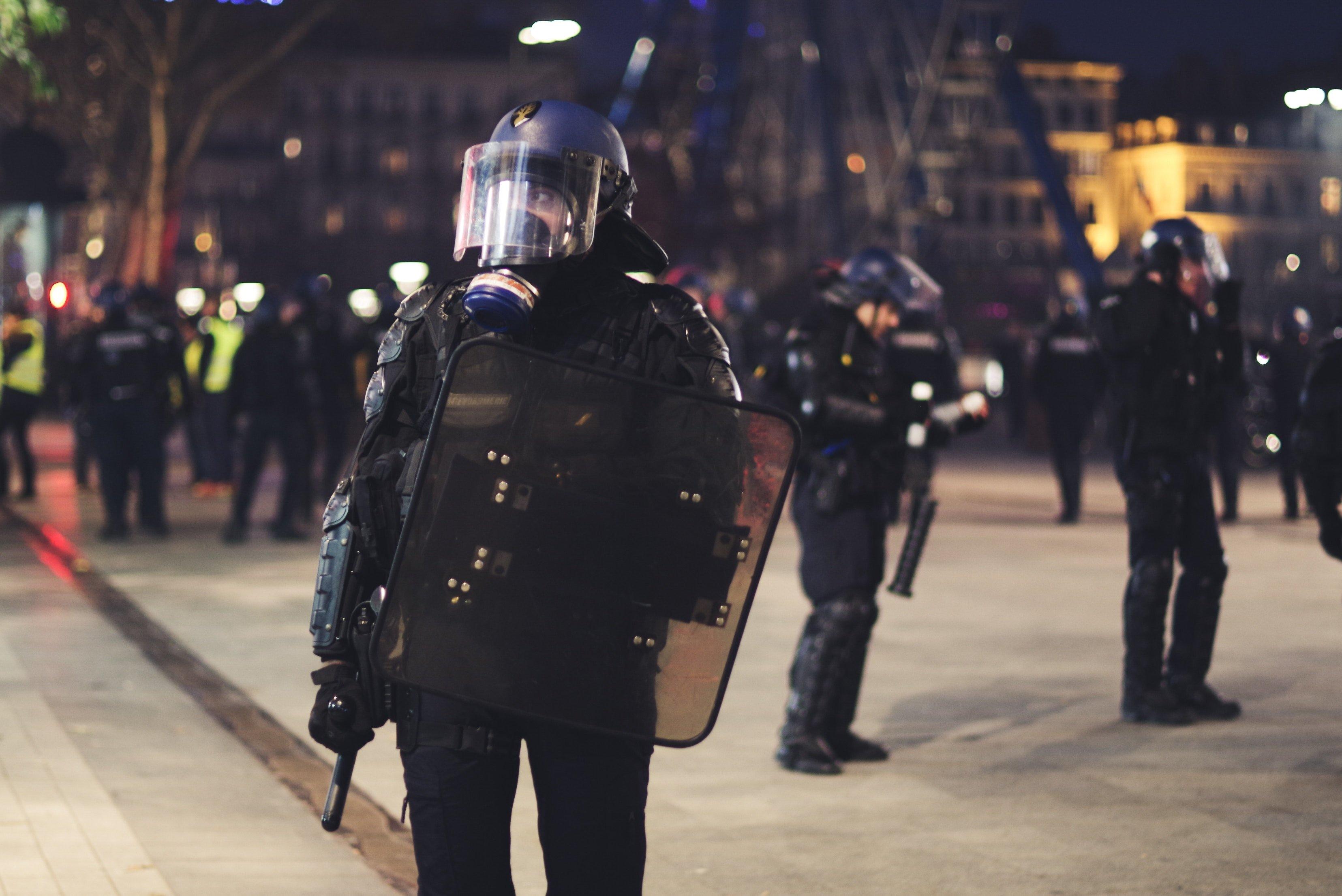 """ev 1229439 unsplash.jpg?resize=412,232 - L'ONU demande une enquête à la France pour """"usage excessif de la force"""" envers les gilets jaunes!"""