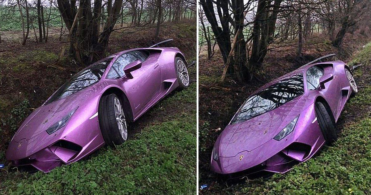 man crashes car.jpg?resize=412,232 - A Londres, un homme détruit sa Lamborghini en fonçant dans un fossé !