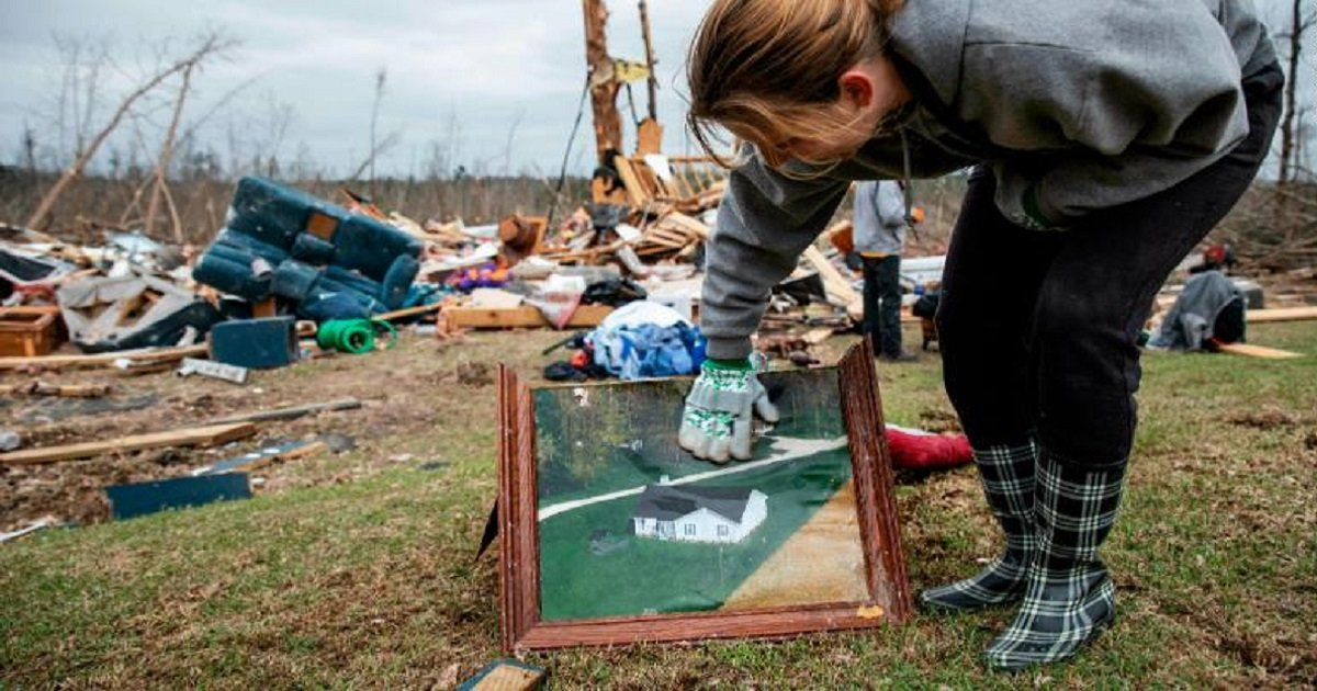 t3 1.jpg?resize=412,232 - Alabama Communities Work Together To Help Survivors And Families Who Lost Loved Ones To Deadly Tornadoes