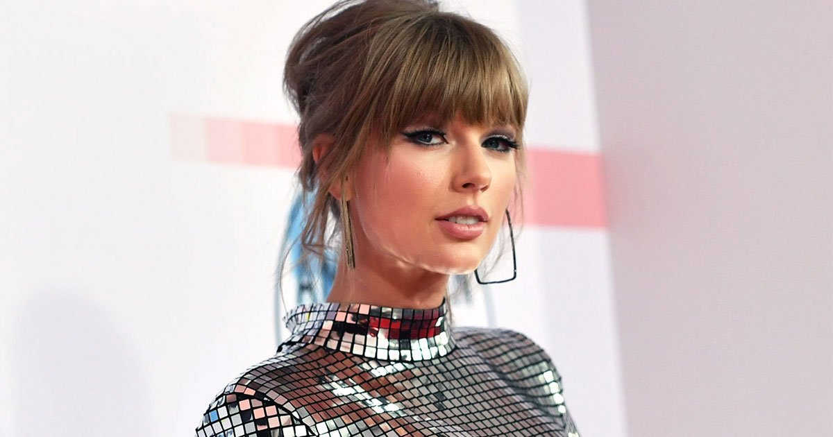taylor swift says she is finding her voice in terms of politics in an essay she wrote for elle magazine.jpg?resize=412,232 - Taylor Swift Says She Is Finding Her Voice 'In Terms Of Politics' In An Essay She Wrote For Elle Magazine