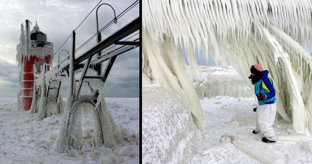 y3 14.png?resize=300,169 - Un étrange phénomène se produit au lac Michigan offrant des images exceptionnelles
