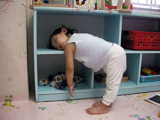 criancas-dormindo-qualquer-lugar-5