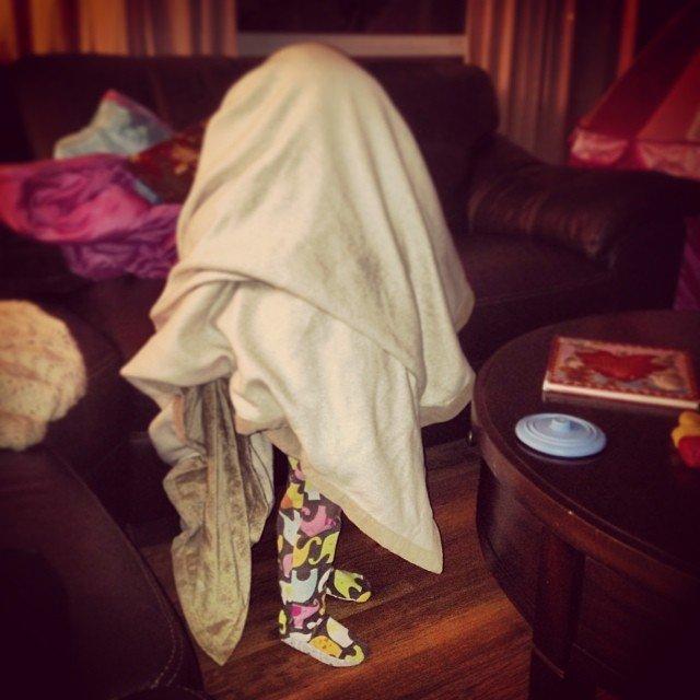 criancas-esconde-esconde-11