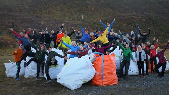 40 Norwegian Folk High School Students From Alta Spent One Week Picking Trash At A Local Beach, Gathering A Total Of 12,400kg! #trashtag