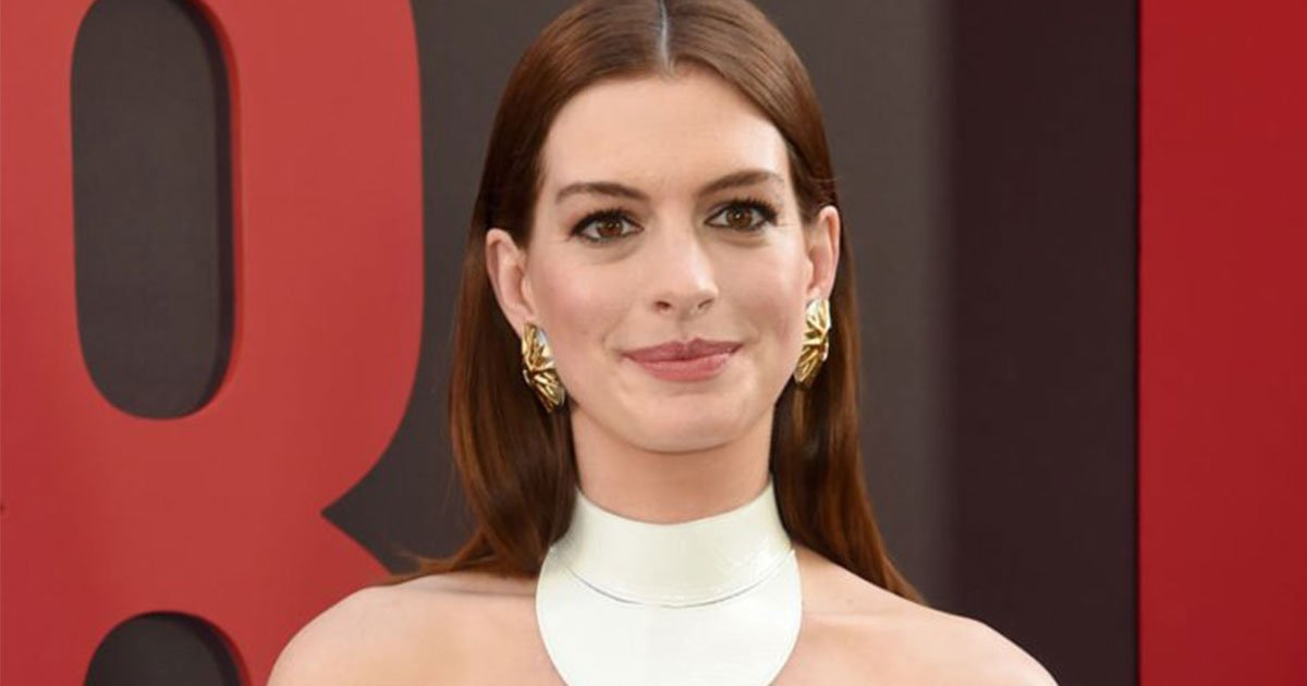 anne hathaway revealed after having a piece of salmon her brain felt like a computer rebooting.jpg?resize=1200,630 - Anne Hathaway Revealed She Felt Like A 'Computer Rebooting' When She Ate Meat After Being Vegan