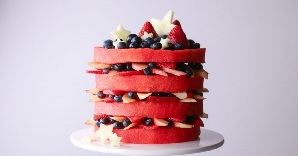 c3 9.jpg?resize=1200,630 - How To Make This Luscious Yet Healthy Watermelon Cake For Your Next Event