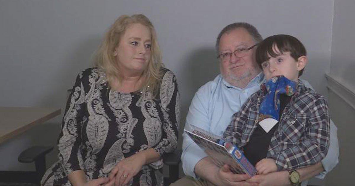 doctor advised couple to divorce to afford sons massive medical bills.jpg?resize=1200,630 - Doctor Advised A Couple To Get A Divorce In Order To Afford Son's Massive Medical Bills