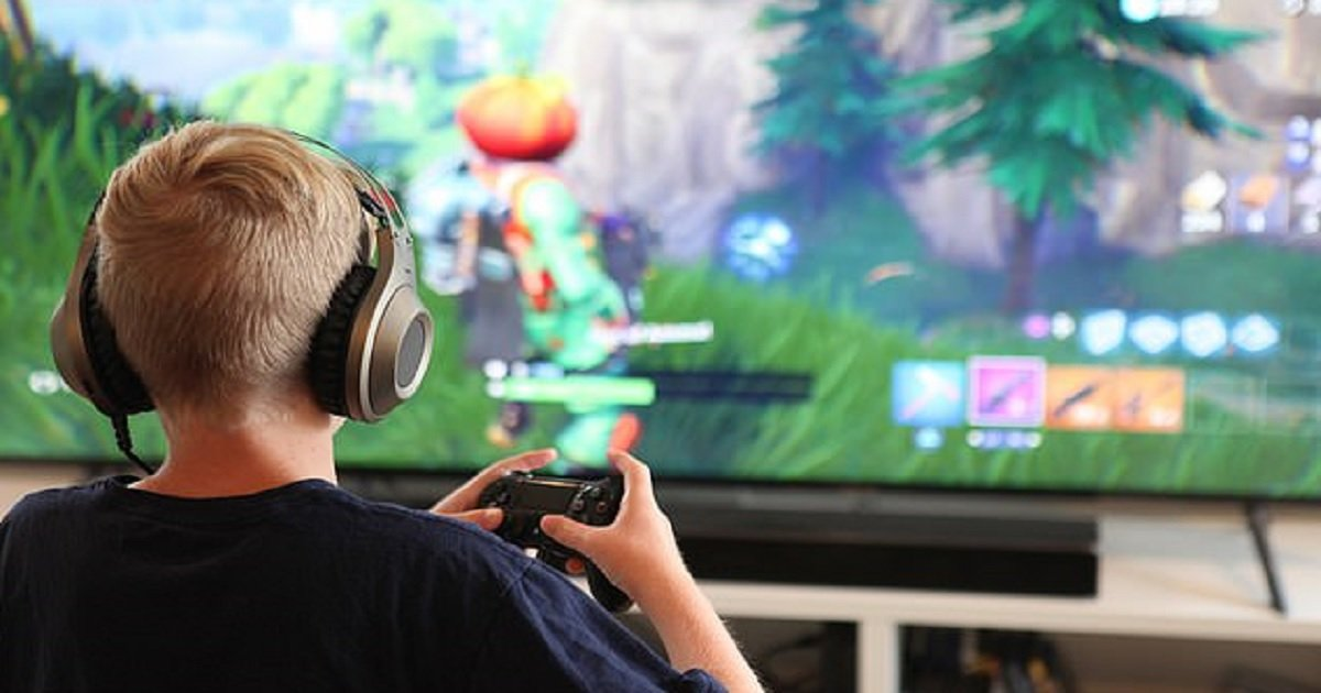 f3.jpg?resize=1200,630 - Doctors Warned Parents That Fortnite Is Like 'Having A Child Addicted To Drugs'