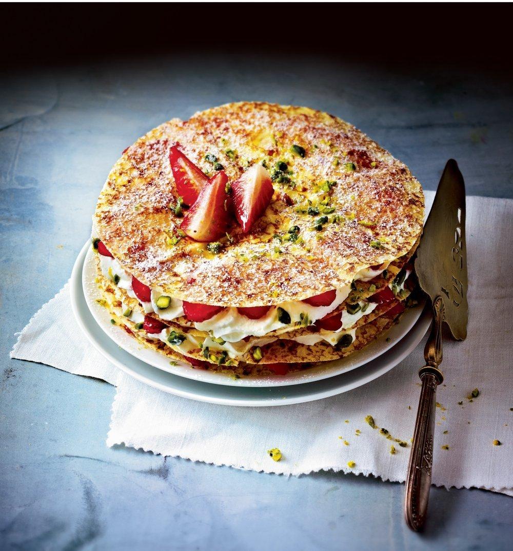 fraisier aux crepes.jpg?resize=412,232 - A vos fourneaux: Une recette de fraisier aux crêpes légère et facile à réaliser
