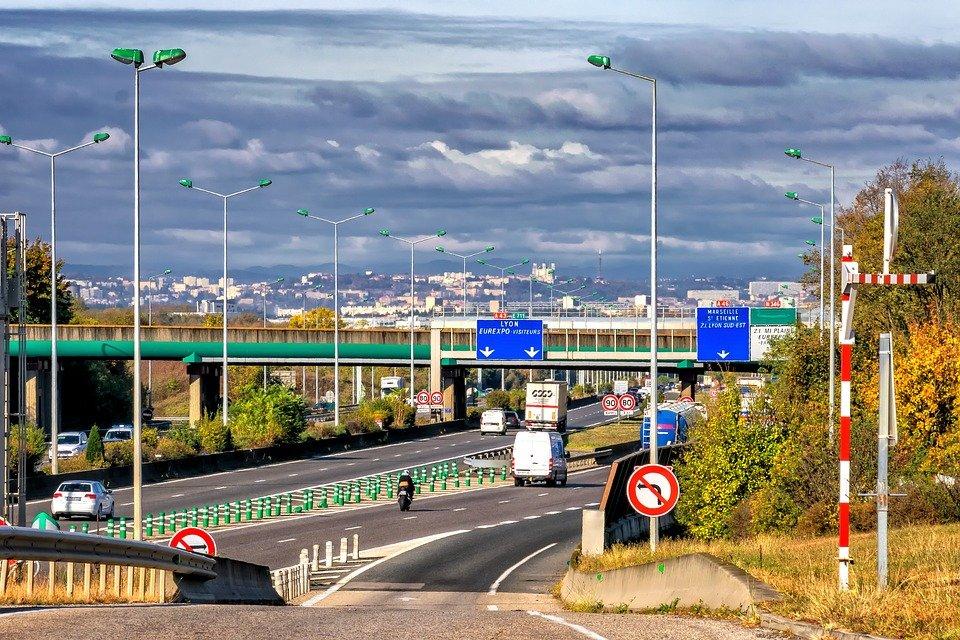highway 2899287 960 720.jpg?resize=412,232 - Le gouvernement se dit prêt a faire des compromis sur sa décision de limiter les routes à 80km/h