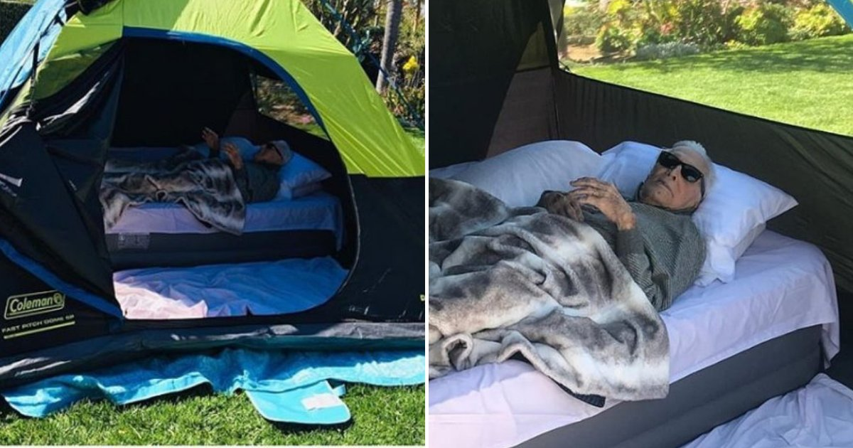 kirk5.png?resize=1200,630 - Kirk Douglas Enjoys Great Time Outdoors Inside Tent: 'Going Camping At 102!'