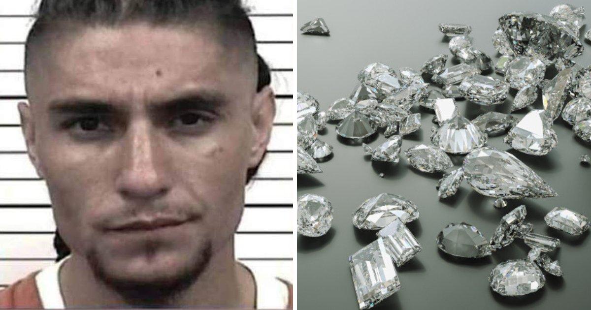 padilla2.png?resize=300,169 - Un homme de 23 ans arrêté après que des policiers eurent retrouvé plus de 44 diamants cachés sur lui