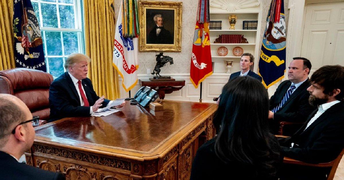 t2 1.png?resize=300,169 - Trump, bouleversé par sa perte d'abonnés sur Twitter, convoque le PDG de la plateforme à une réunion