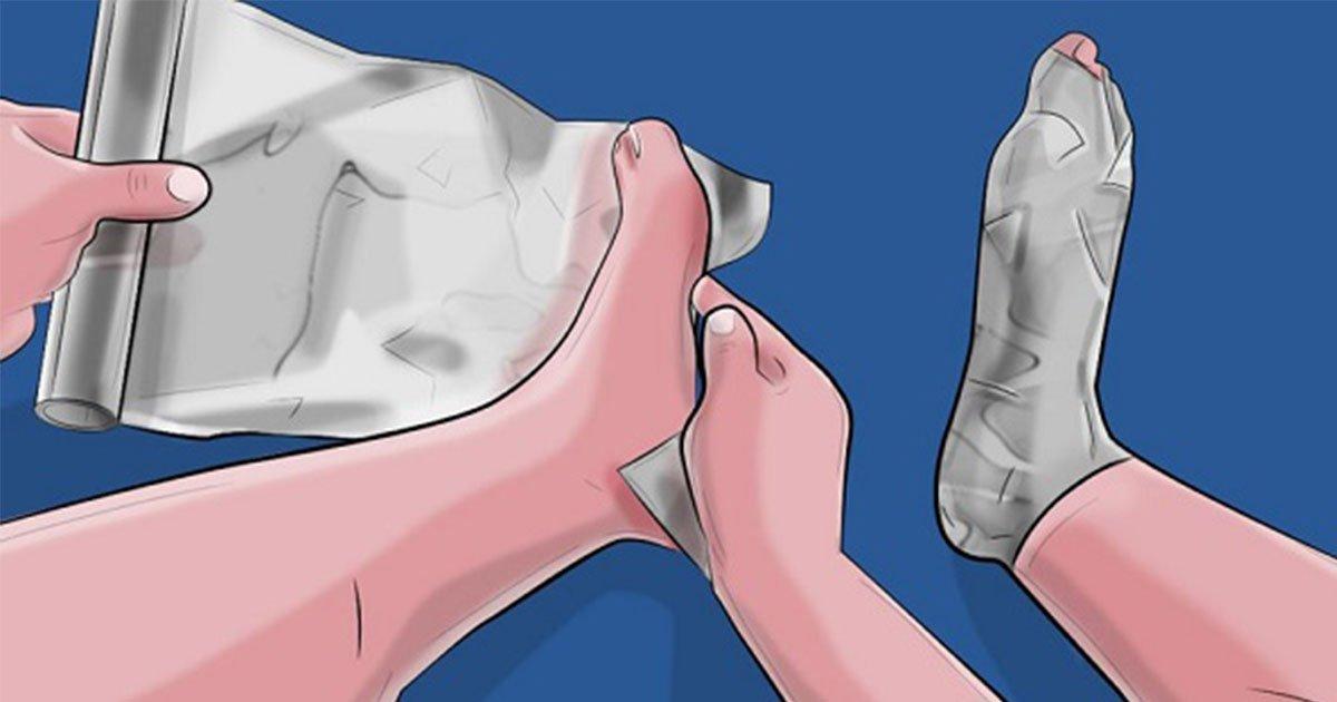 these are the reasons why you should wrap your feet with aluminum foil.jpg?resize=188,125 - S'envelopper dans du papier aluminium pour réduire les douleurs du quotidiens