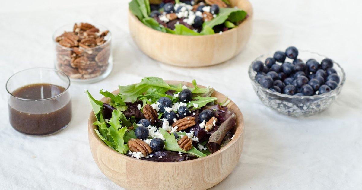 y2 6.png?resize=412,232 - La meilleure recette pour préparer une salade aux bleuets pour rafraîchir vos étés