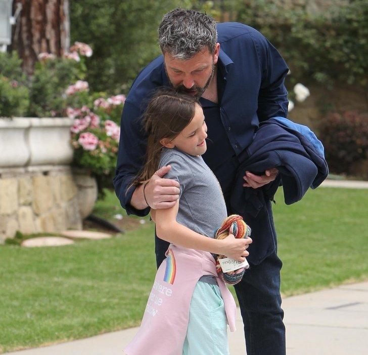 12 Pais famosos mostram que criar uma filha é um verdadeiro prazer