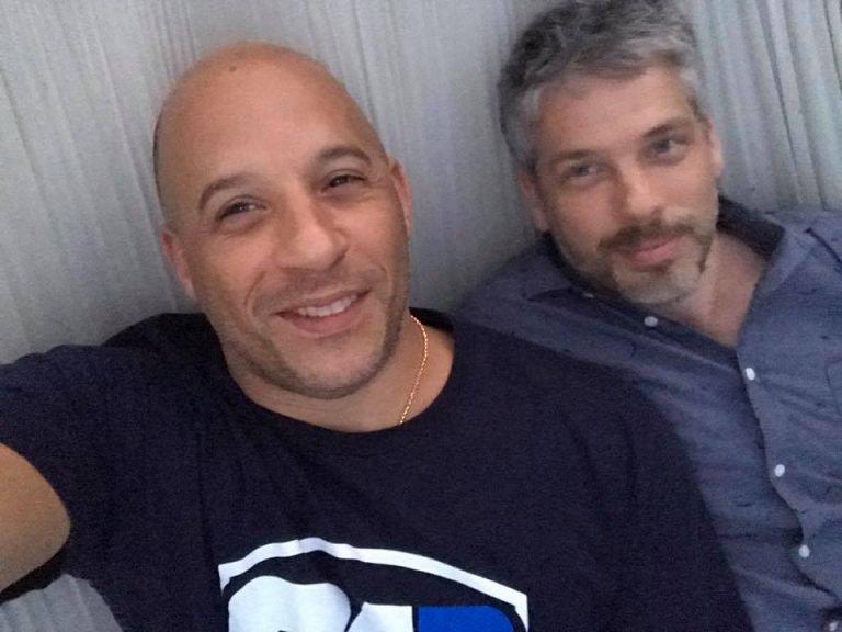 La imagen puede contener: 2 personas, personas sonriendo, primer plano
