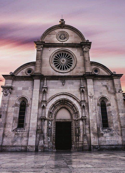Resultado de imagen de iglesia antigua