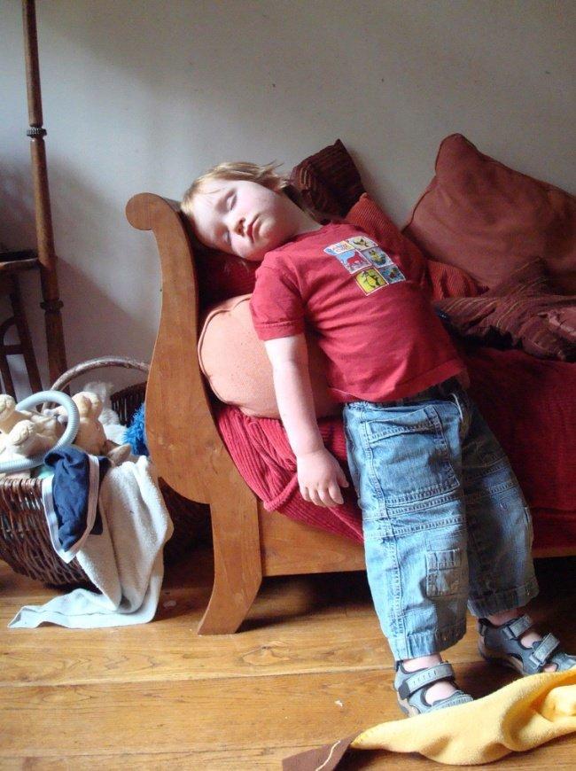 criancas-dormem-qqr-lugar-10