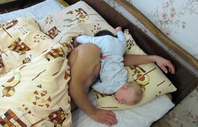criancas-dormem-qqr-lugar-16