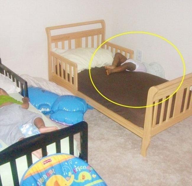 criancas-dormem-qqr-lugar-24