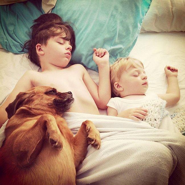crianças-com-cães-19