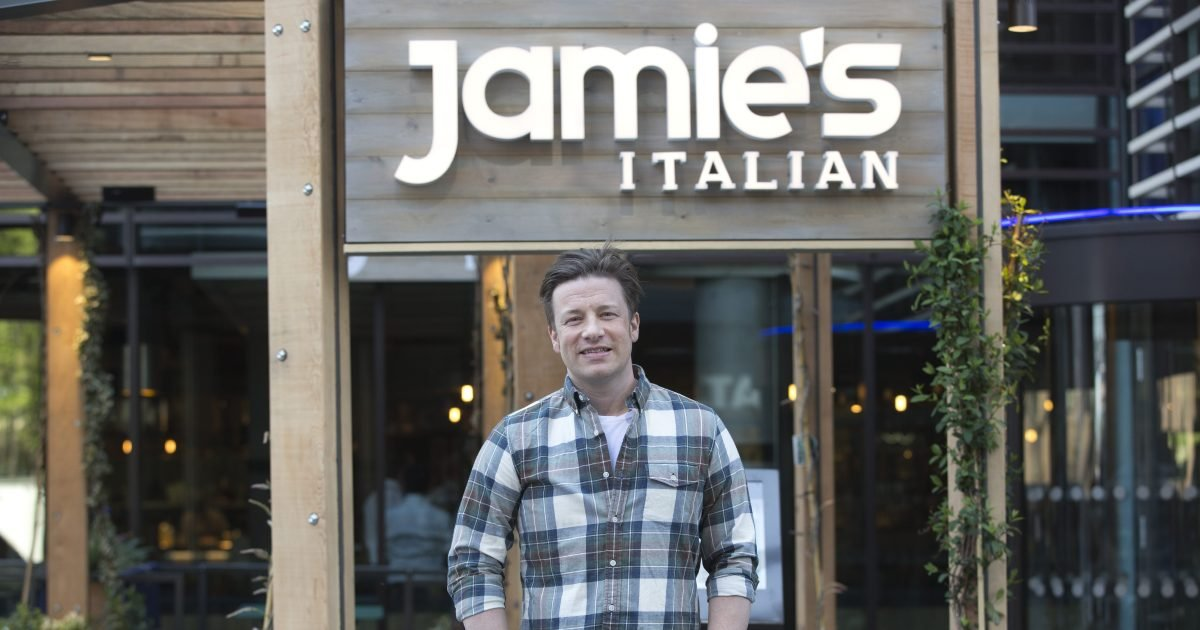 a 7.jpg?resize=412,232 - Experts Revealed Factors That Led To The Collapse Of Jamie Oliver's Restaurant Empire