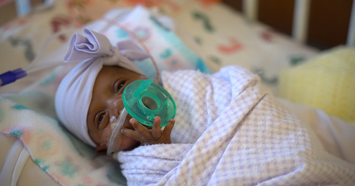 b3.jpg?resize=1200,630 - The World's Tiniest Baby To Survive Headed Home After Five Months In The Hospital