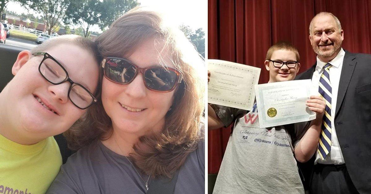 boy down syndrome kindness award.jpg?resize=412,232 - Un garçon de 15 ans atteint de trisomie 21 a reçu le prix de la gentillesse de l'école - sa réaction fait fondre notre cœur