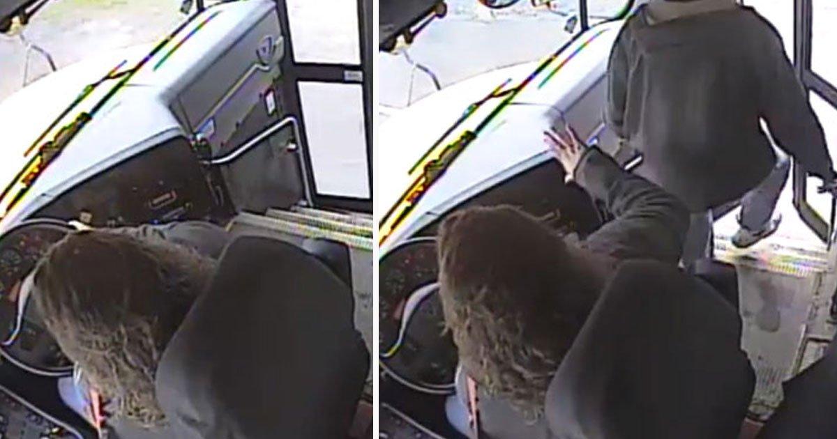 bus driver saves student.jpg?resize=412,232 - Cette mère a fondu en larmes après avoir vu la vidéo d'un conducteur d'autobus sauvant son fils d'une collision