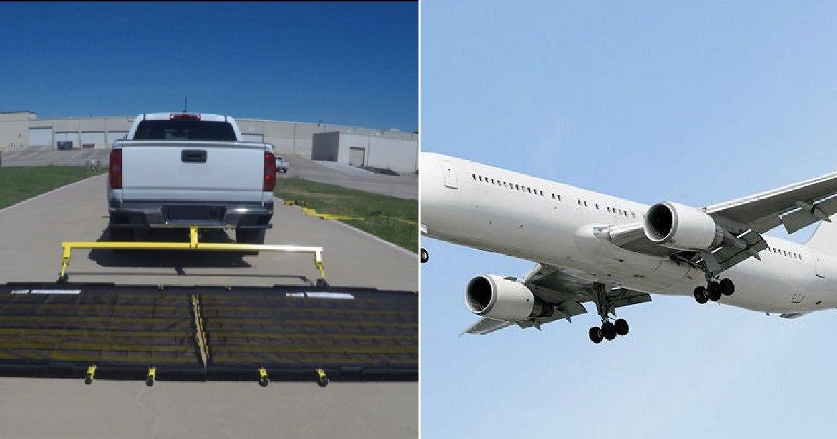 eca09cebaaa9 ec9786ec9d8c 35.png?resize=412,232 - 공항 특수 트럭과 직원들이 활주로에서 줍는 '이물질'의 정체