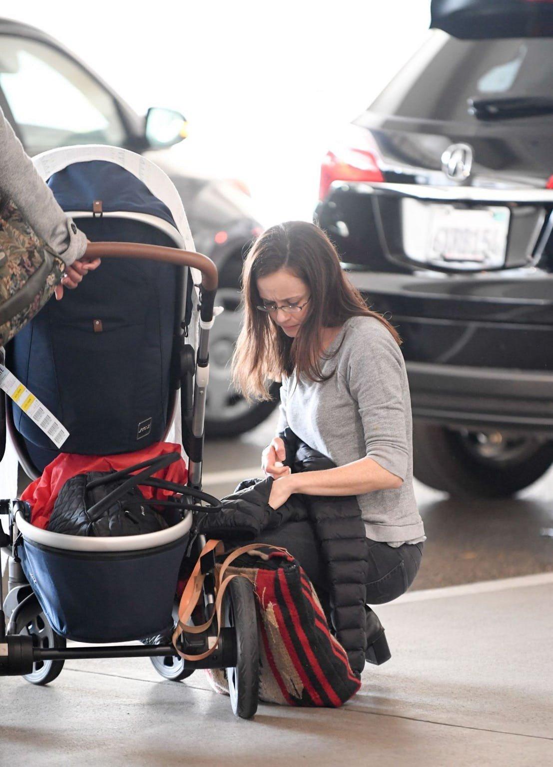 Pregnancy alexis bledel The Celebrities