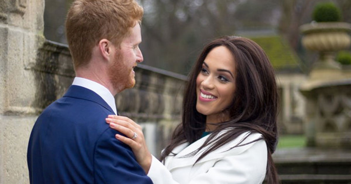 meghan markle lookalike works as her impersonator and earns up to 1000 a day.jpg?resize=300,169 - Le sosie de Meghan Markle gagne jusqu'à 1000 euros par jour!