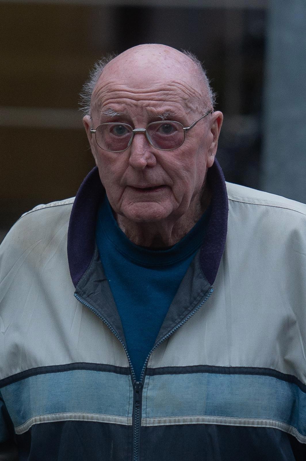 Le mari Lawrence Franks, âgé de 84 ans, a été épargné en prison après avoir tué sa femme alors qu'il ne pouvait
