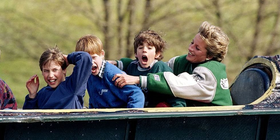 princess diana alton towers 1494589986 e1559203488352.jpg?resize=1200,630 - 20 Photographies That Prove How Special Princess Diana Was