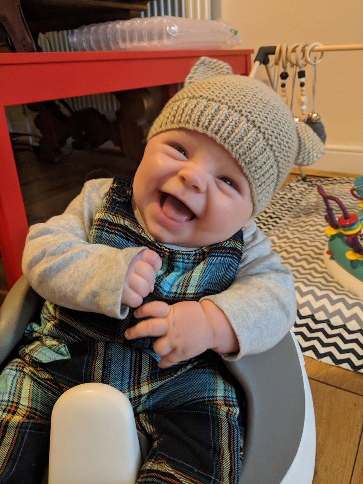 Un estudio reveló que tu bebé usa estrategias para hacerte sonreír y, de esa forma, demostrarte su amor