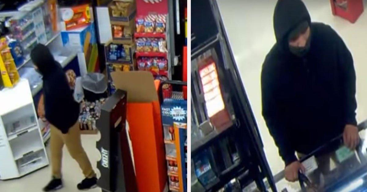 untitled 1 76.jpg?resize=1200,630 - Un caissier qui a sorti une arme pour se protéger d'un voleur, a été renvoyé de son travail