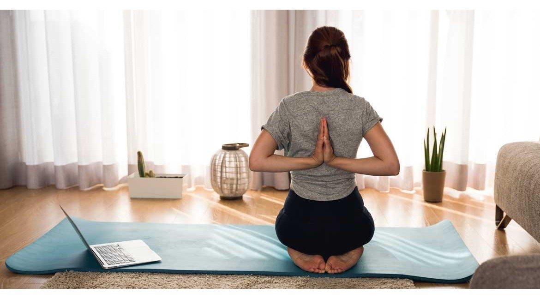 Resultado de imagen de yoga en casa