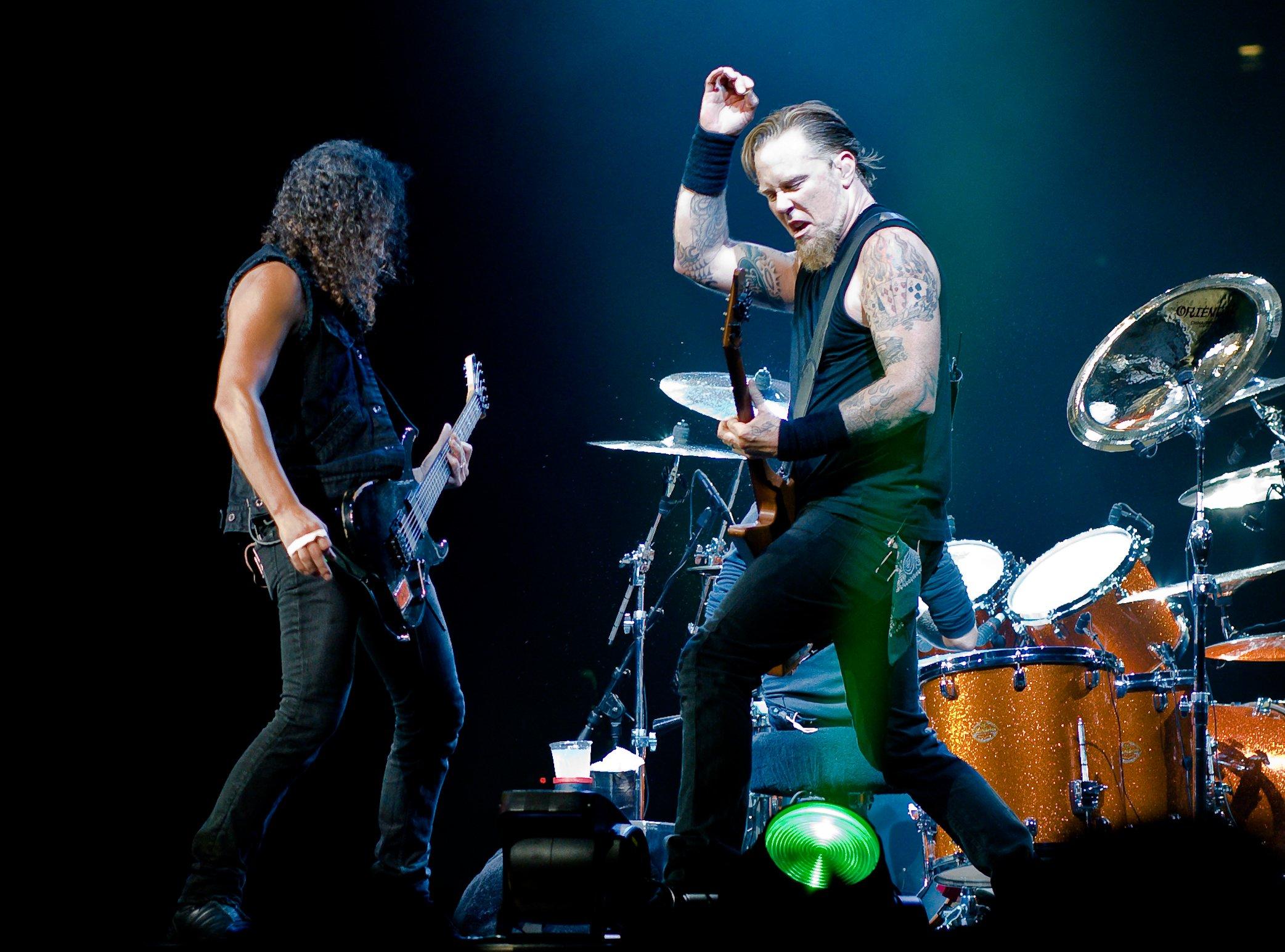 wikipedia.jpg?resize=1200,630 - Hommage : Metallica interprète « Ma gueule » de Johnny