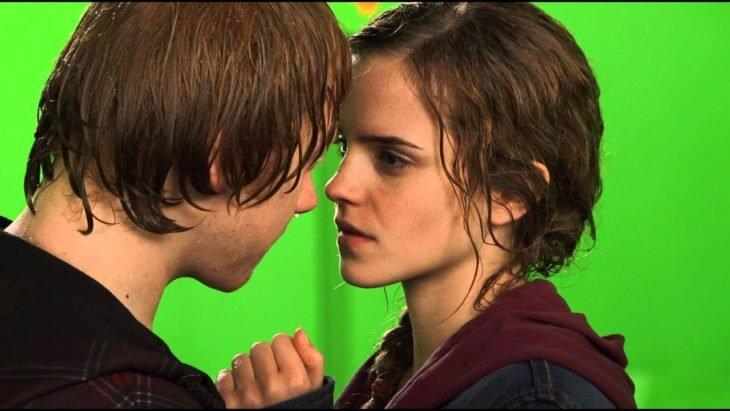 Emma Watson y Rupert Grint filmando Harry Potter