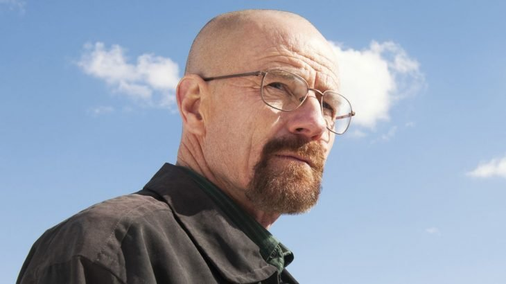 El actor Bryan Cranston interpretando al personaje de Walter White en la serie Breaking Bad