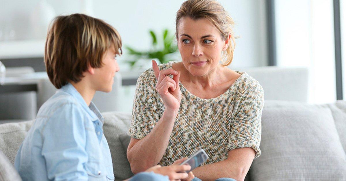 2 135.jpg?resize=1200,630 - 7 Maneras de evitar que tu hijo actúe de manera irrespetuosa