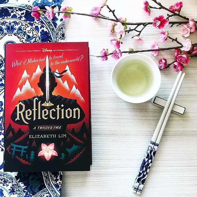 Portada del libro Mi reflejo de Elizabeth Lim, inspirado en Mulan, Disney