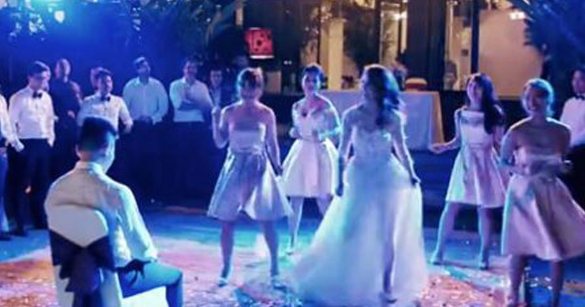 bridal party dance.jpg?resize=412,232 - Bride And Groom Stole The Show After They Joined Bridesmaids And Groomsmen On The Dance Floor