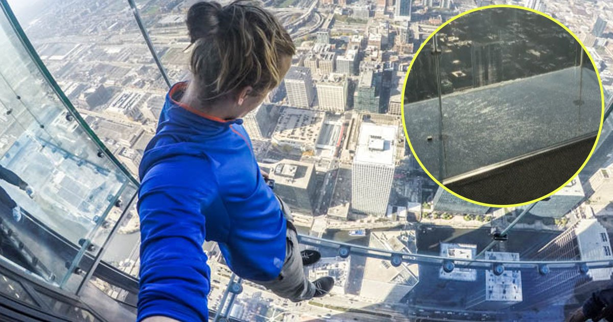 chicago skydeck cracked.jpg?resize=412,275 - Chicago's Glass Skydeck On 103rd Floor Cracked Under Tourists' Feet
