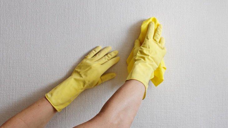 limpiar paredes de aceite