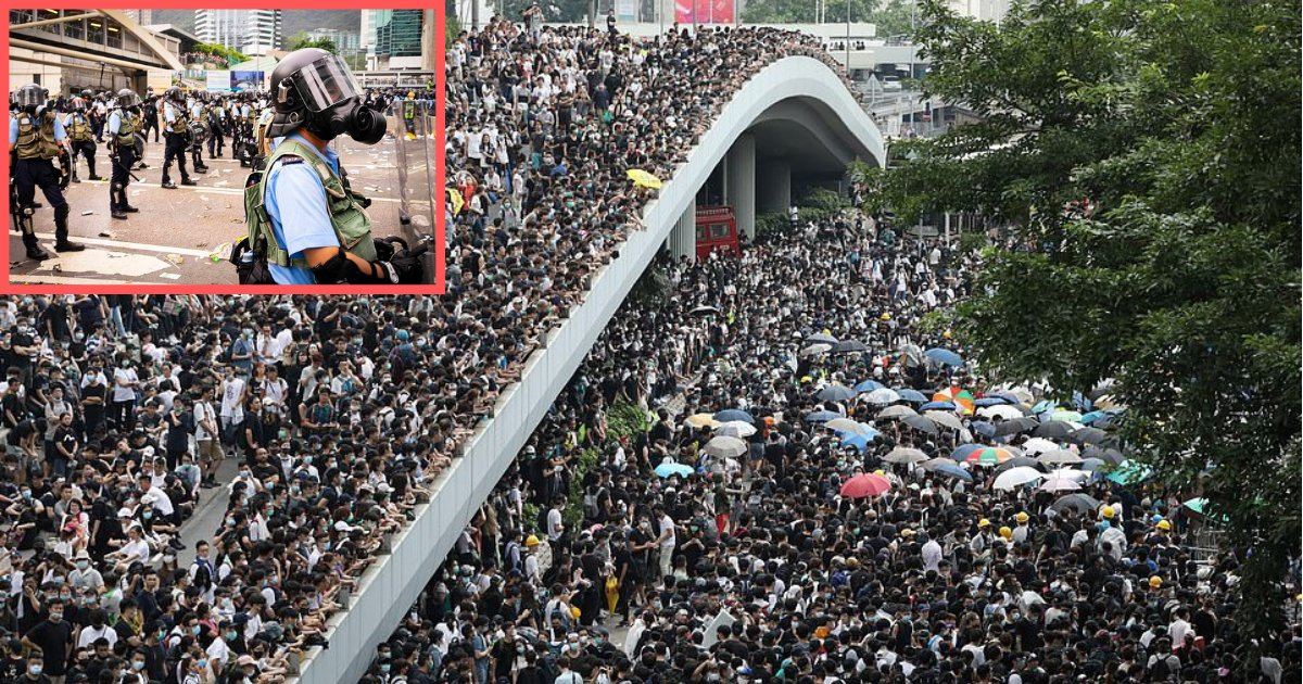 d2 8.png?resize=412,232 - The Hong Kong Authorities Close Government Offices After Riot Police and the Crowd Starts Clashing Over New Extradition Bill