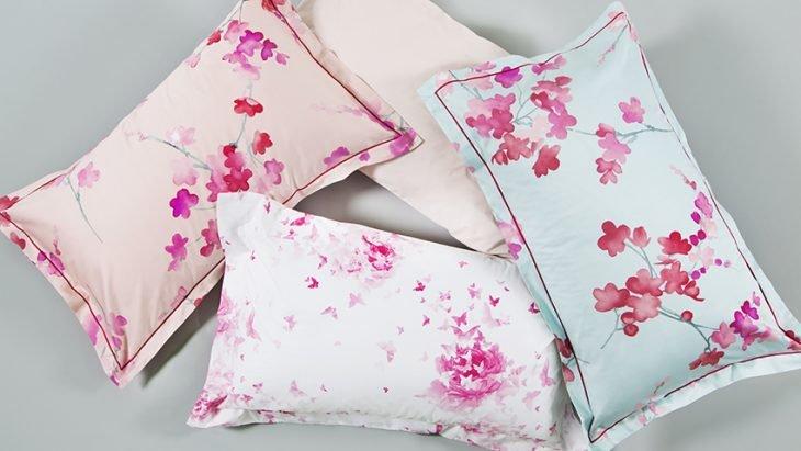 cojines de flores reciclados color pastel